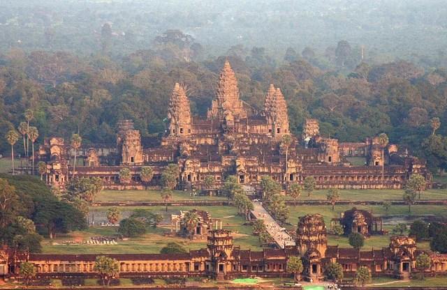Angkor Wat - photo by Christian Junker / Flickr