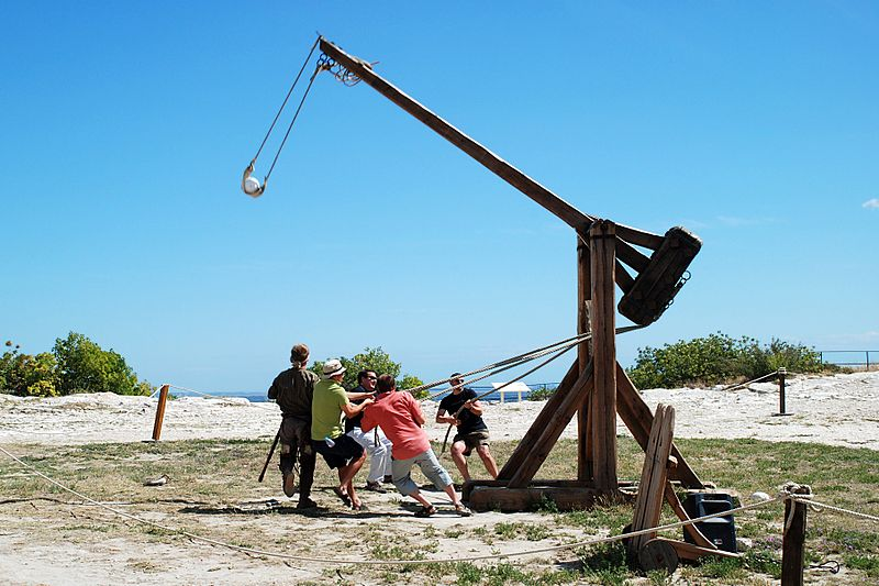 https://i0.wp.com/www.medievalists.net/wp-content/uploads/2013/06/trebuchet.jpg