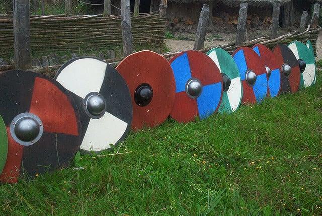 viking shields by Hans Splinter