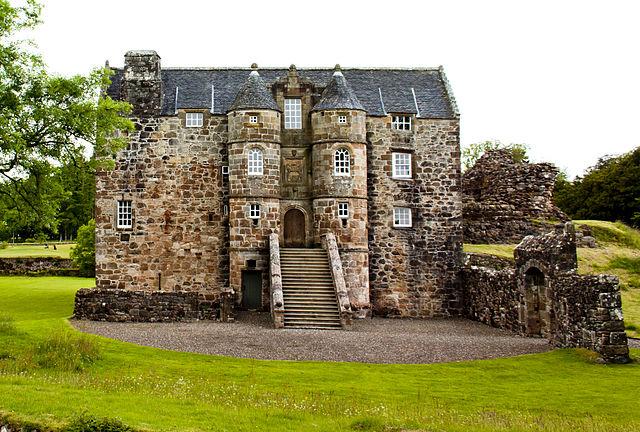 Rowallan Castle - photo by Sagereid / Wikipedia