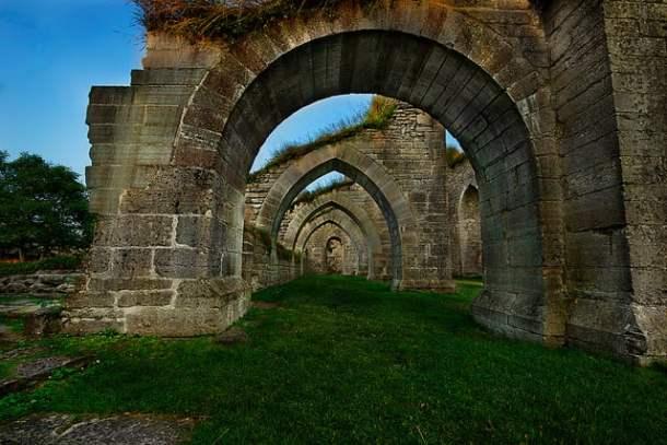 ruin of an medieval monastery named Alvastra in Östergötland county Sweden - Photo by Stefan / Flickr