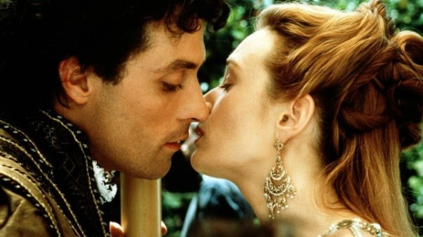 "Veronica Franco (Catherine McCormack) kisses her lover, Marco Vernier (Rufus Sewell) in, ""Dangerous Beauty""."