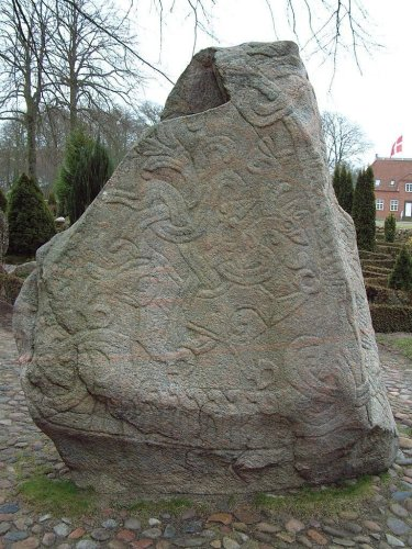 Harald's runestone, photo by Casiopeia, C C BY­SA 2.0
