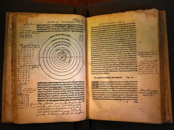 Nicolas Copernic, Nicolai Copernici Torinensis De revolutionibus orbium coelestium, libri IV, Nuremberg, Iohannes Petreius, 1543 (R. 69C, Université de Liège)