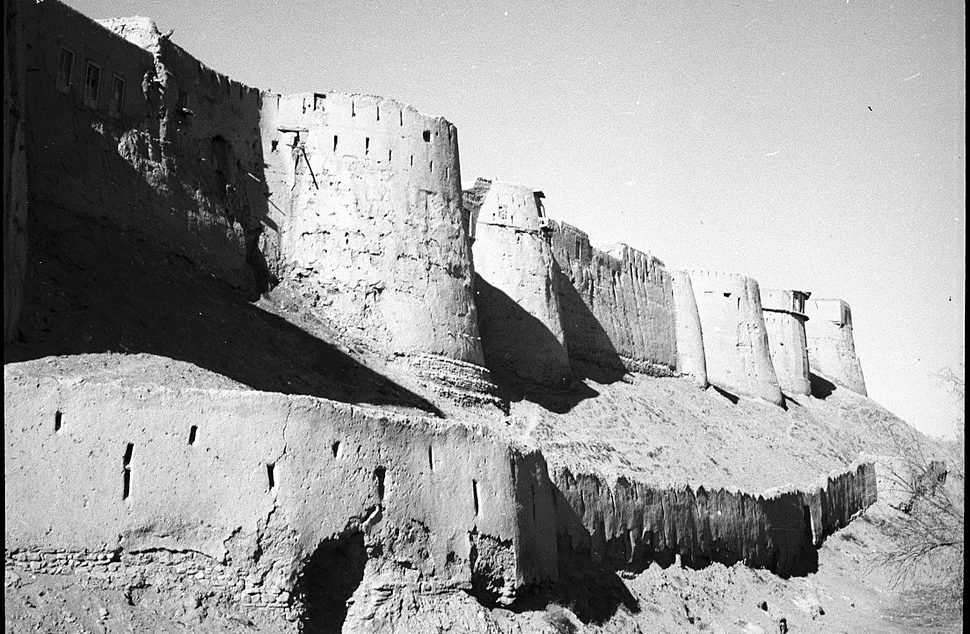 Medieval tower in Afghanistan collapses