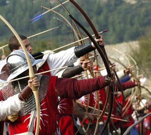 https://i0.wp.com/www.medievalwarfare.info/pics/archers.jpg