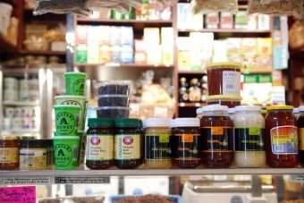 Manuka honey replaces antibiotics in hospitals
