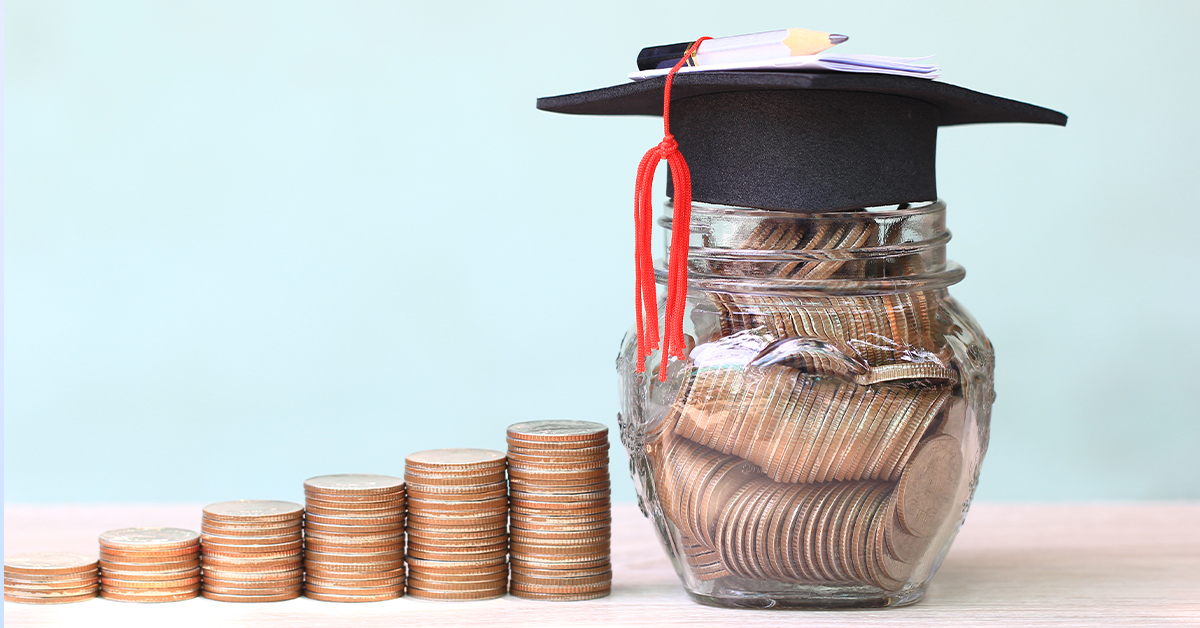How to manage student loans if you're a healthcare student