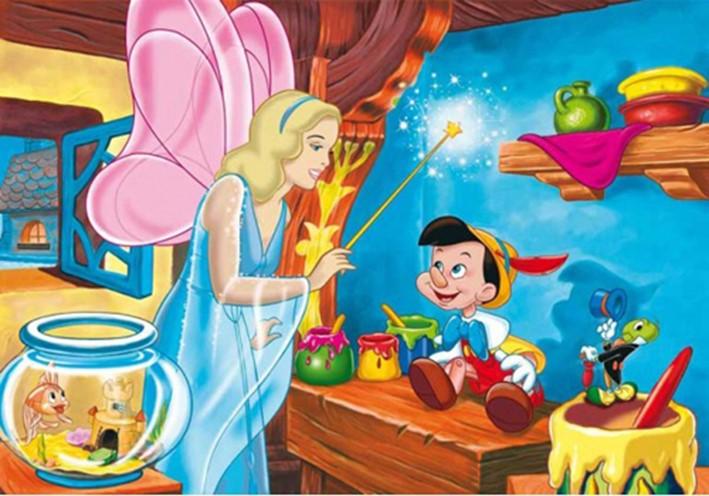 Pero también inventa historias que enseñan cosas valiosas, como la de que hace mucho tiempo,. Pinocho y Gepetto - Mediometro