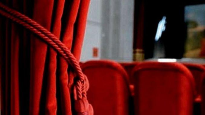 Spettacolo al Teatro Concordia della compagnia Il canto del gallo