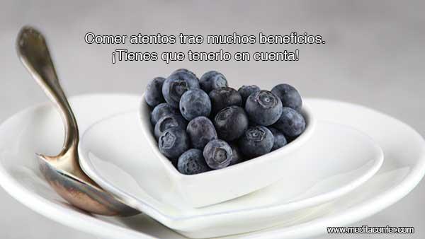 Comer atentos es algo que todos deberíamos hacer más.