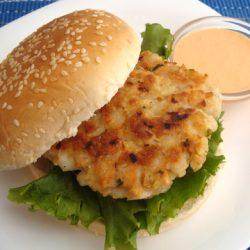 hamburguesas-de-pescado-con-salsa-tartara
