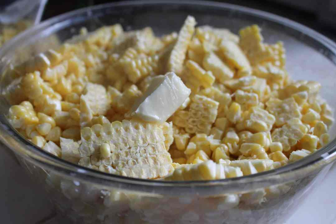 How to Freeze Corn the Easy Way Bowl of corn