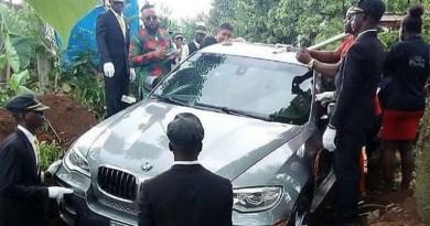 Fotografija pokopa u BMW-u od 550.000 kuna razbjesnila svijet