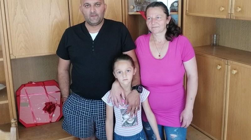 Sara, Zdenkica i Dušan Pavić