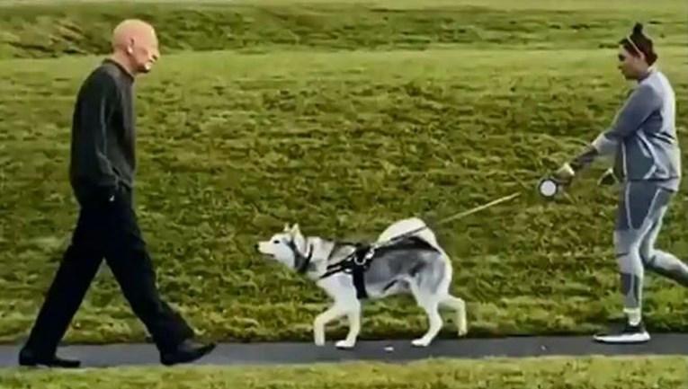 Stavio je masku starca i prošao pored svog psa da vidi hoće li ga prepoznati