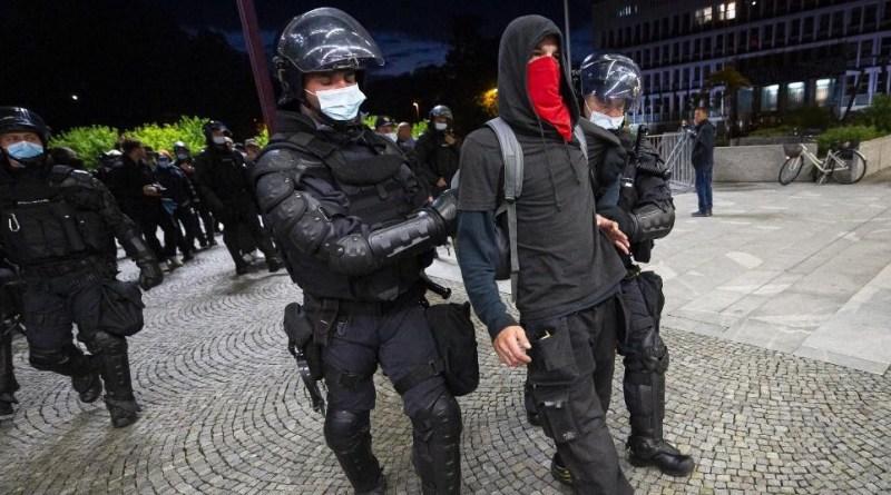 U Sloveniji od danas policijski sat