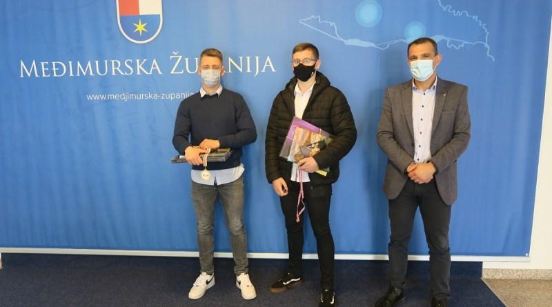 Filip Kolar i David Zadravec prvaci su države u boksu i uzor najmlađima u Boksačkom klubu Čakovec, trećem najboljem klubu u Hrvatskoj