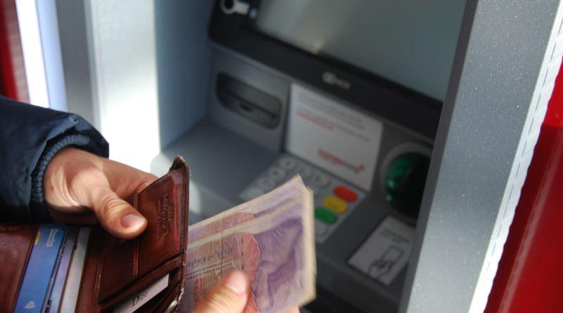 Dovoljno će biti da stanete pred bankomat da podignete novac (ipak morate imati novac na računu!)