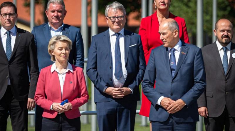 Urusla von der Leyen i Janez Janša, Timmermansa nema