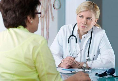 Консультация у врача при бактериальном бронхите