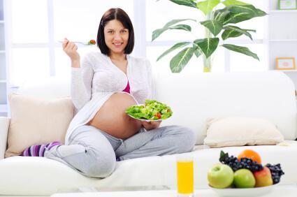 Будущим мама полезны овощи и фрукты