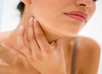 Боли в горле при лакунарной форме ангины, фото