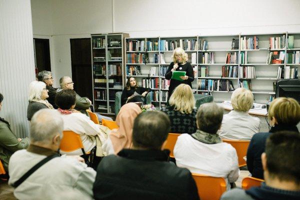"""Održana promocija romana o Srebrenici """"Vrijeme bez kazaljki"""" u Sisku"""