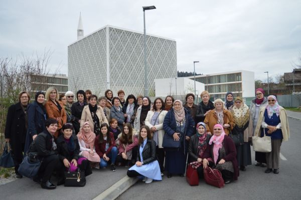 Posjeta Udruženju žena Zemzem i promocija halal kuharice u Ljubljani