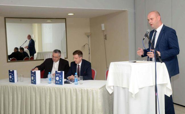 """U Sisku održana promocija knjige """"Halal-standard po mjeri čovjeka"""""""