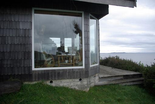 Fensterfront auf den Pazifik