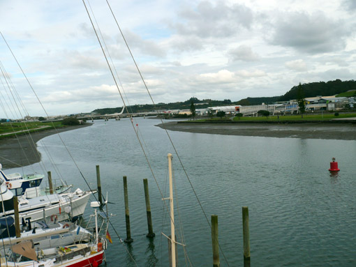 Und Blick flussabwärts auf die neue Klappbrücker