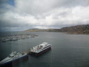 Dit uitzicht had ik 2 dagen omdat de boot niet voer vanwege slecht weer in Bodø