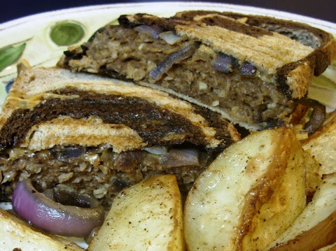 The Betty Crocker Project : Patty Melt & Cajun Potatoes