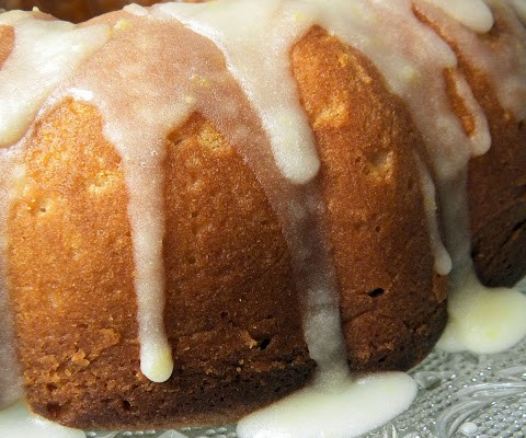 The Betty Crocker Project : Tuscan Lemon Cake