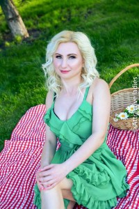 Russian dating women for happy family