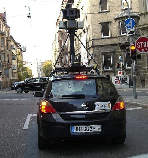 Google StreetView Fotowagen in Stuttgart