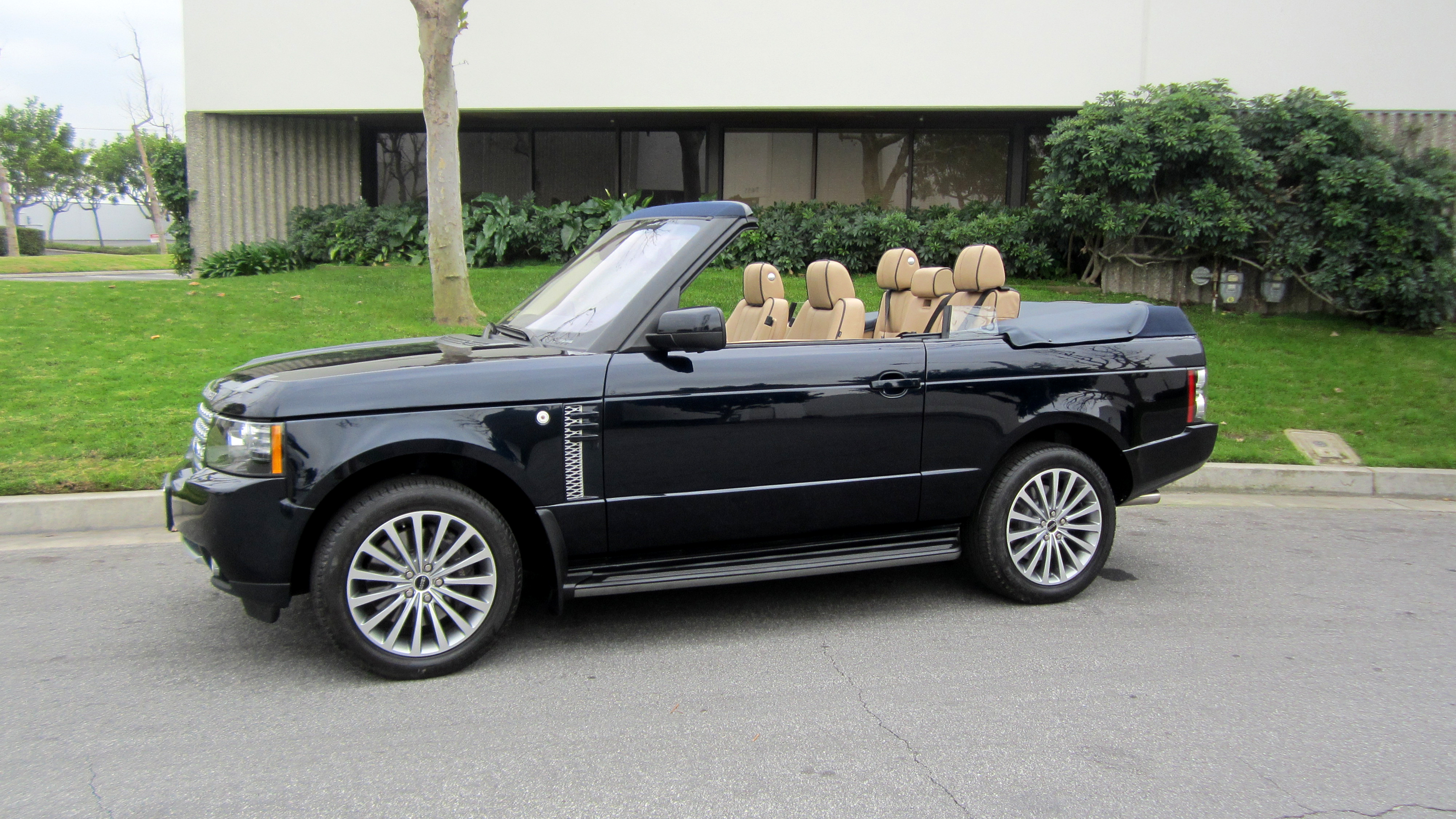 2 door Range Rover Convertible – MEGA