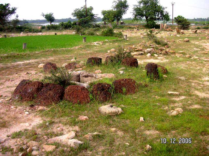 Megalithic cultures history and general studies - Chambr kochi ...