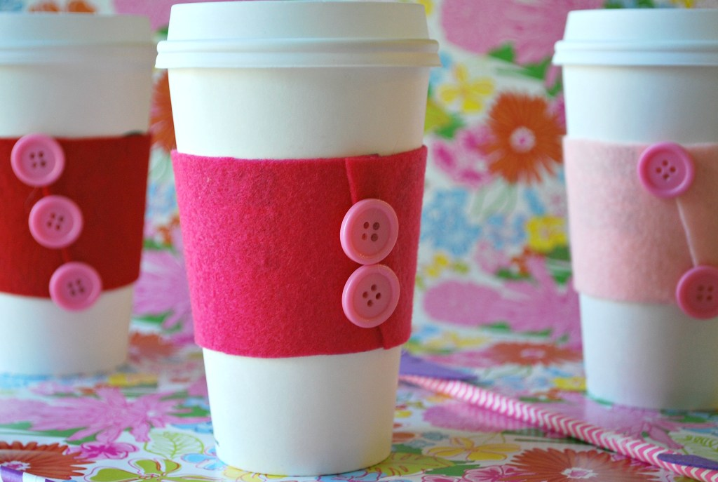 We've got these super cute no-sew coffee cozies perfect for Valentine's Day! This craft is quick and easy and makes for the perfect teacher gift or just for a treat for a friend.