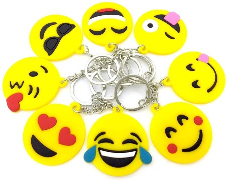 How fun are these emoji keychains as an alternative to candy valentines. Kids can hang them on their backpacks and have a valentine keepsake all year long.