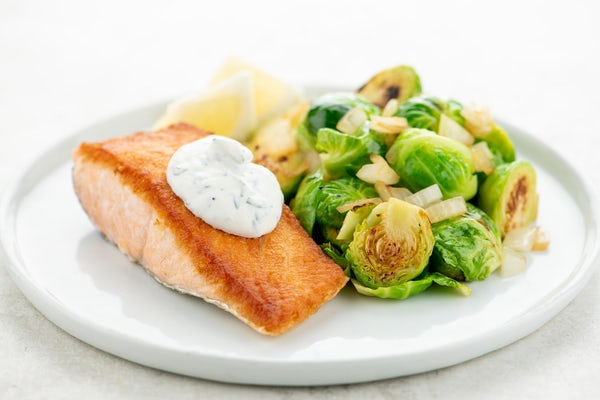 I'm sharing my kitchen hack to cooking salmon! Thanks to Home Chef I would have never thought of it until it landed on my doorstep!