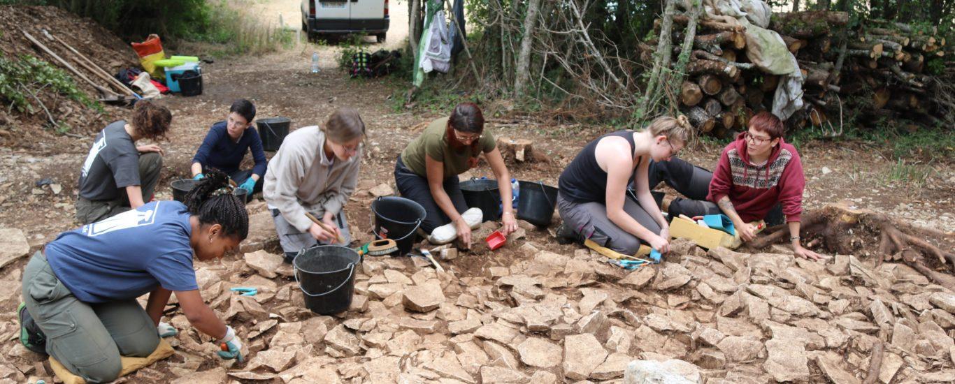 fouilles archéologiques du tumulus de fouqueure en 2019