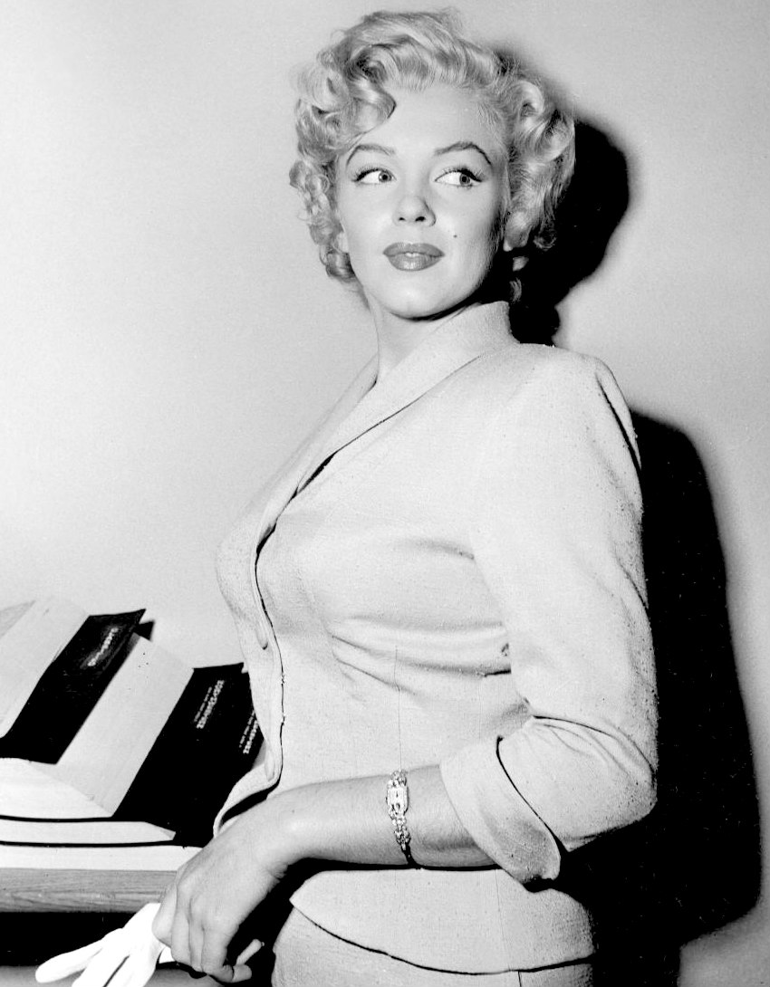Marilyn attending a Court Hearing on June 26th 1952.
