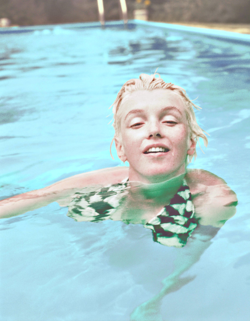 Marilyn photographed by Milton Greene in June 1955.