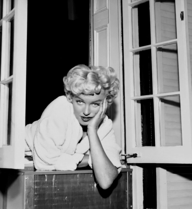 Marilyn filming The Seven Year Itch on location in New York City by Sam Shaw on September 13th 1954.