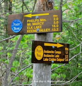 RON_3257-signpost