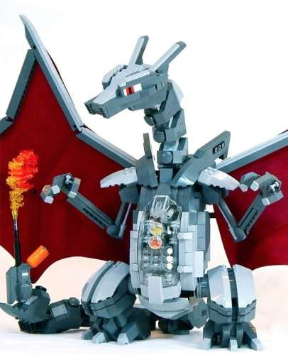 LEGO_Mecha_Charizard_zoom