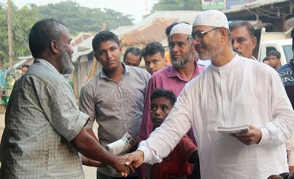 চন্দ্রগঞ্জে আ.লীগ নেতা সাত্তারের গণসংযোগ