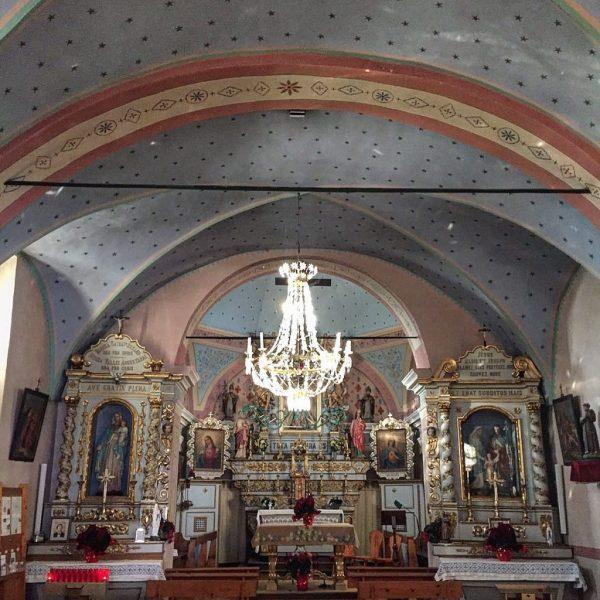 la chiesa durante un weekend montagna chamois